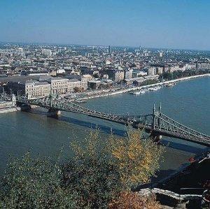 Budapest.jpg (32299 Byte)